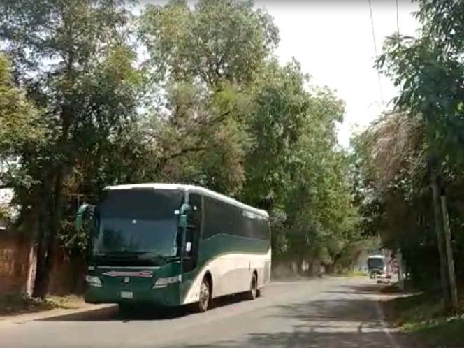 LIBERAN 89 DE LAS 92 UNIDADES SECUESTRADAS POR NORMALISTAS DE TENERÍA