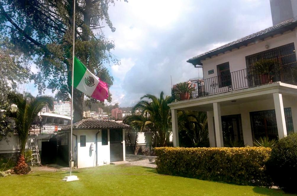 CONFIRMA CANCILLERÍA MEXICANA QUE DA ASILO A FUNCIONARIOS EN QUITO