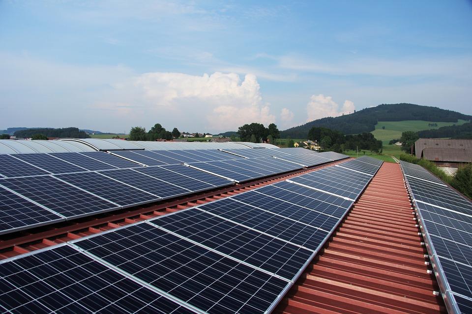 TECHOS SOLARES PODRÍAN REDUCIR EL GASTO DE ENERGÍA