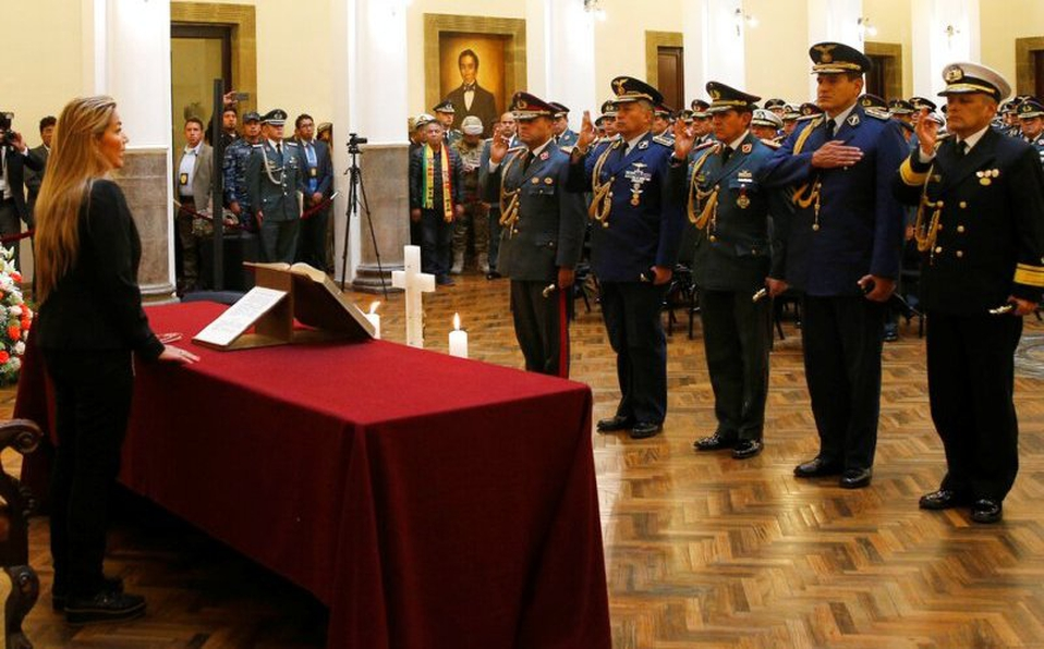 JEANINE ÁÑEZ DESIGNA UNA NUEVA CÚPULA MILITAR EN BOLIVIA