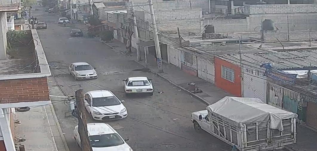 RECUPERAN EN ECATEPEC UN AUTO ROBADO
