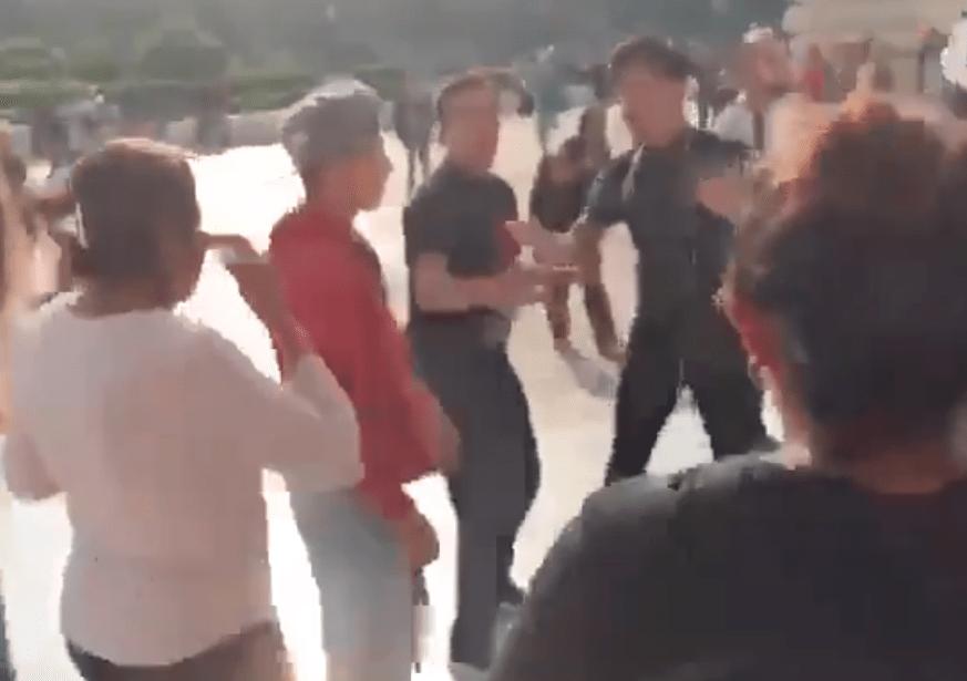AGREDEN CAMPESINOS A ACTIVISTAS LGBTTTI EN BELLAS ARTES TRAS PROTESTA POR PINTURA DE ZAPATA