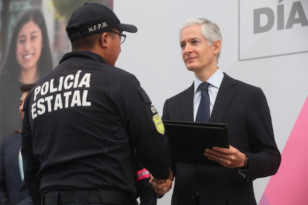RECONOCE ALFREDO DEL MAZO EL TRABAJO DE LOS POLICÍAS MEXIQUENSES