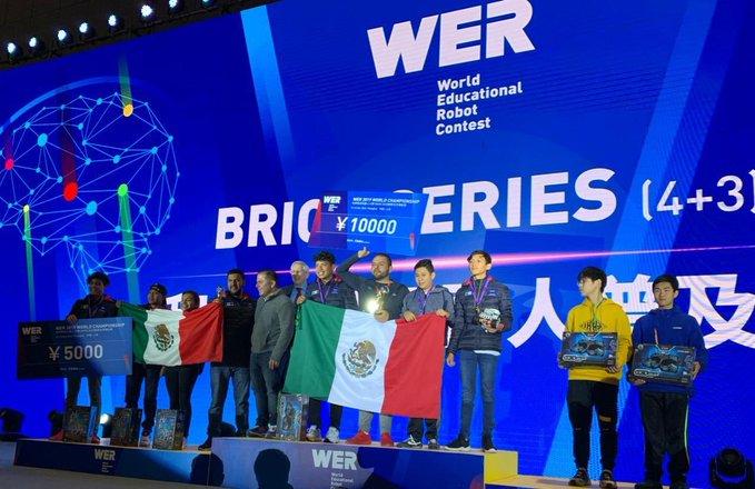 ESTUDIANTES DE MÉXICO SE LLEVAN EL 1, 2 Y 3 LUGAR EN TORNEO MUNDIAL DE ROBÓTICA EN CHINA