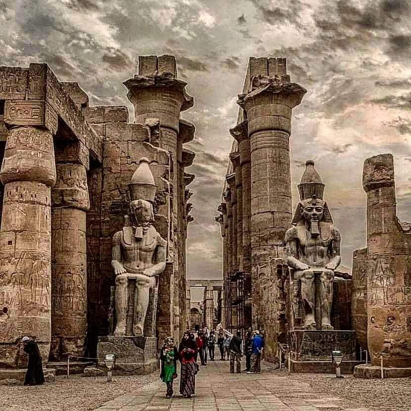 DESCUBREN EN EGIPTO BLOQUES DE PIEDRA CALIZA CON GRABADOS HISTÓRICOS