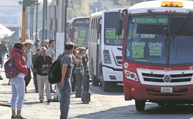 ESTUDIANTES Y ADULTOS MAYORES PODRÍAN SEGUIR PAGANDO 10 PESOS EN EL TRANSPORTE PÚBLICO: SEMOV