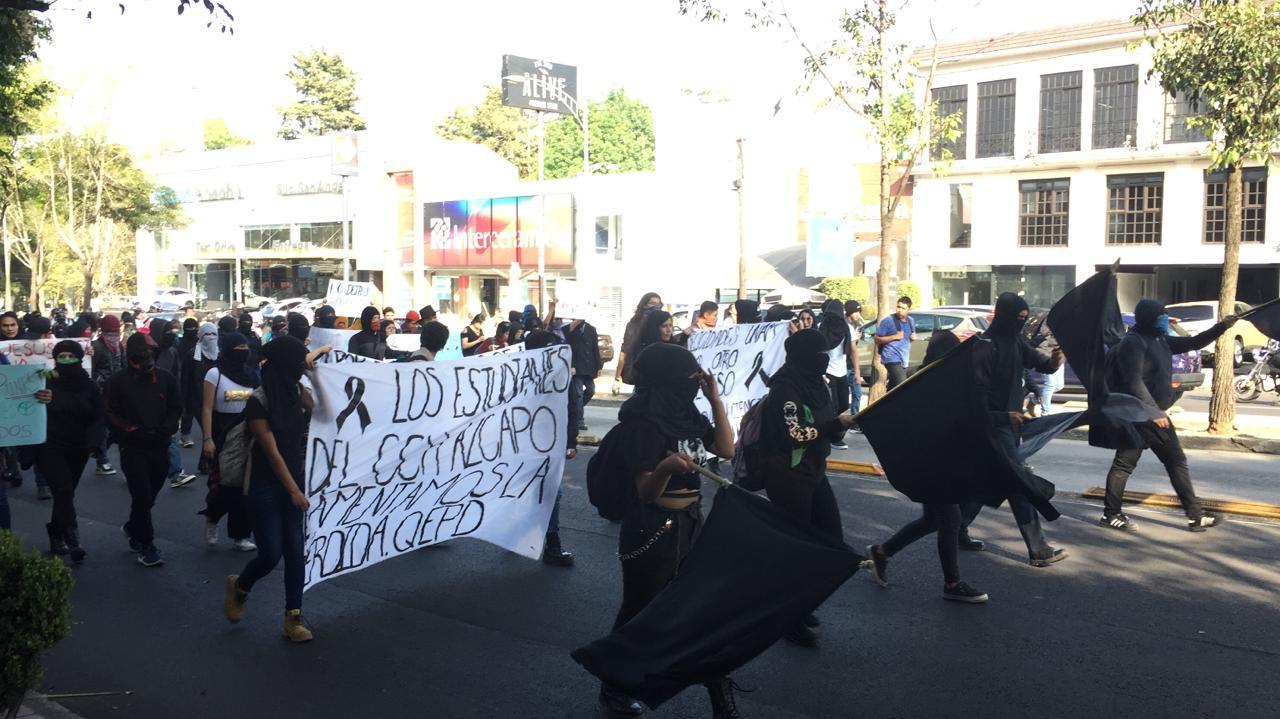 MANIFESTACIÓN DE ESTUDIANTES DE LA UNAM SE DIRIGE A LA EXPLANADA DE RECTORÍA