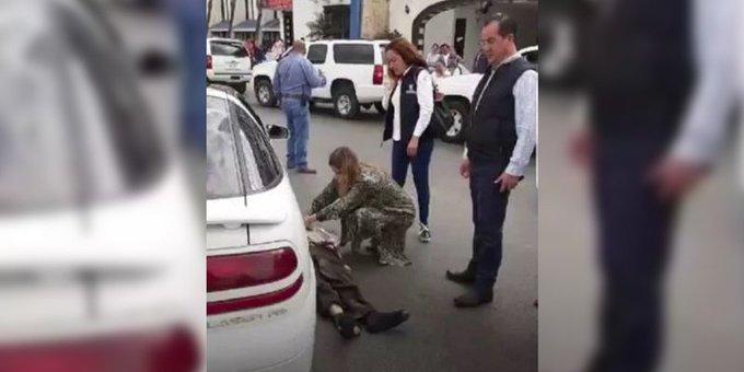 ALCALDESA DE TAMAULIPAS BRINDA PRIMEROS AUXILIOS A HOMBRE QUE FUE ATROPELLADO