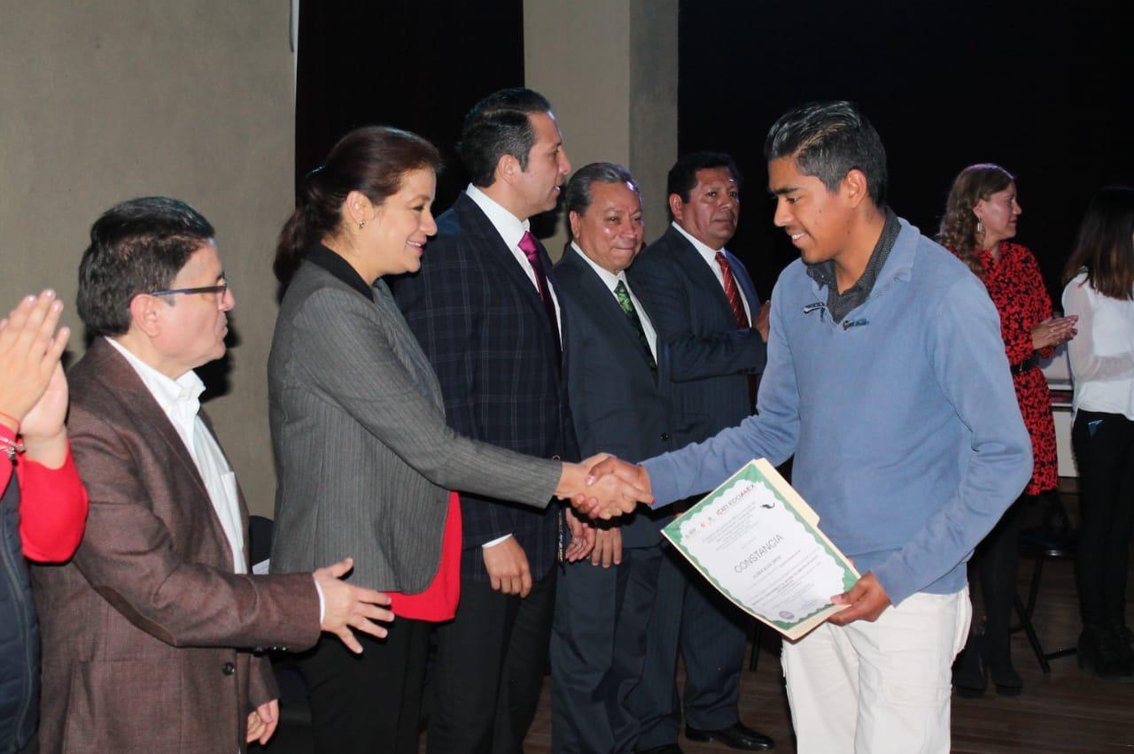 EGRESAN MÁS DE 26 MIL MEXIQUENSES DE LAS EDAYO Y UCE