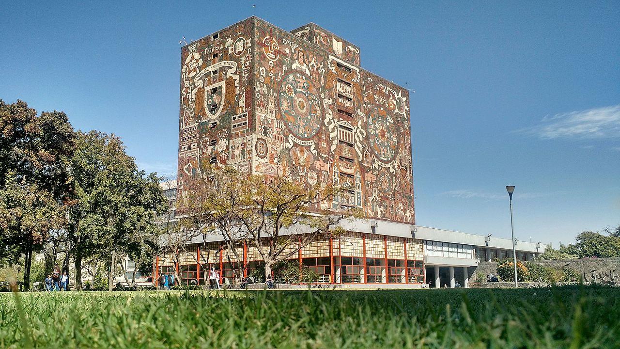 ESTUDIANTES DE PREPA 5, 6 Y FES IZTACALA ENTREGAN PLIEGO PETITORIO A AUTORIDADES DE LA UNAM