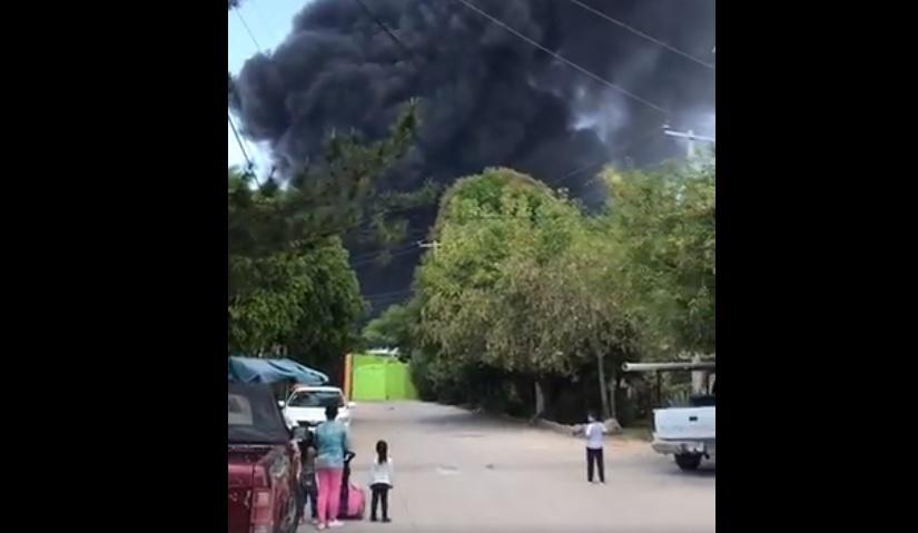 SE REGISTRÓ UN INCENDIO EN UNA RECICLADORA EN CELAYA, GUANAJUATO