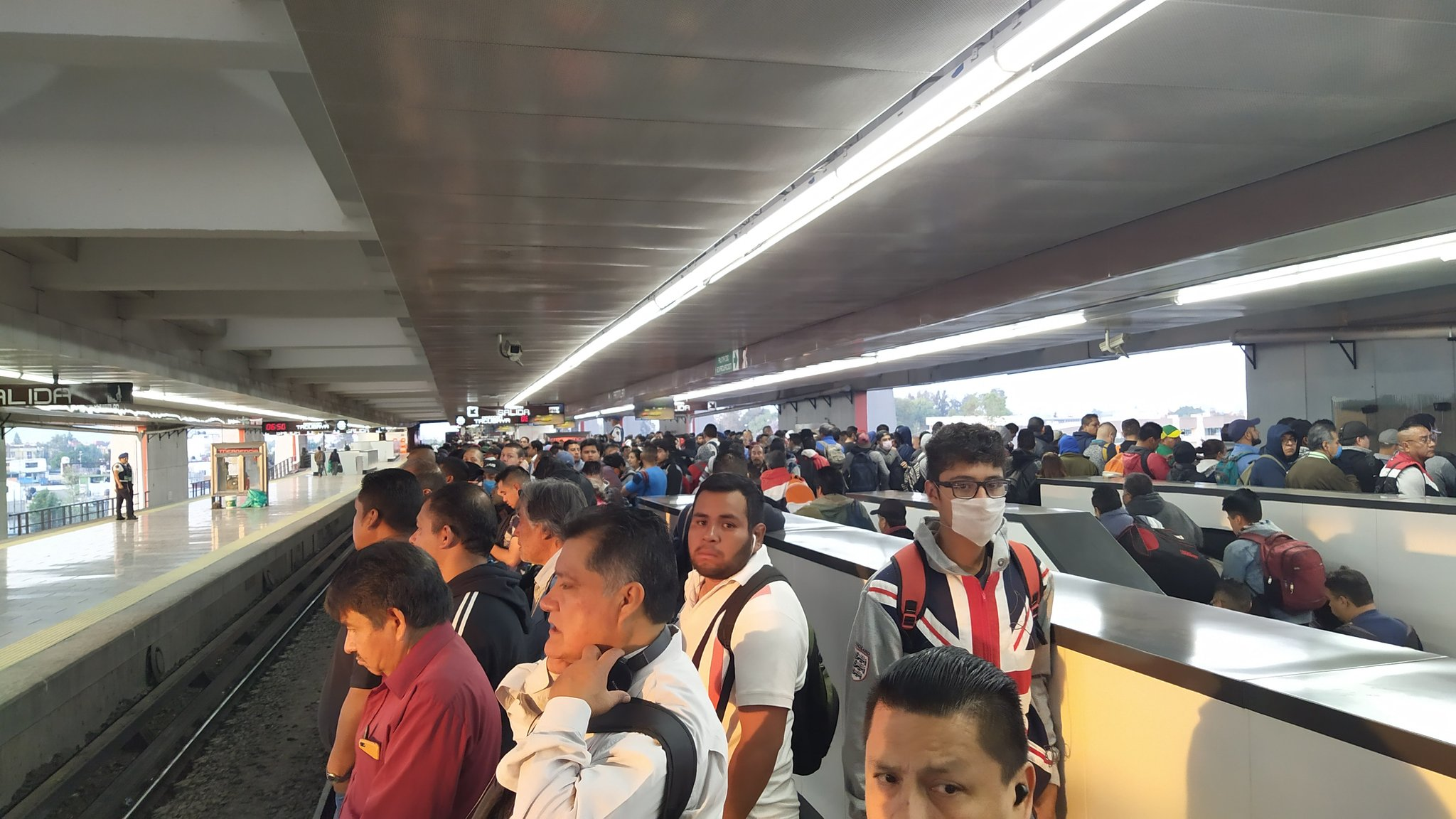 """LOS MEXICANOS SON LOS QUE MENOS HAN RESPETADO EL """"QUÉDATE EN CASA"""": GOOGLE"""