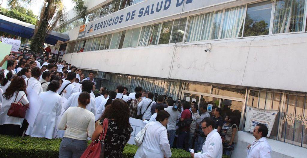 IPN Y UNAM RETIRAN A SUS ESTUDIANTES DE MEDICINA DE HOSPITALES COMO MEDIDA DE SEGURIDAD