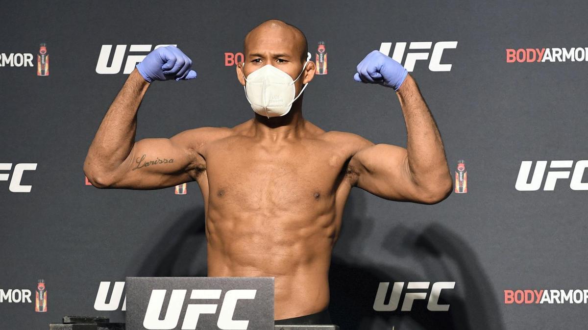 CANCELAN PELEA DE LA UFC POR PELEADOR CON CORONAVIRUS