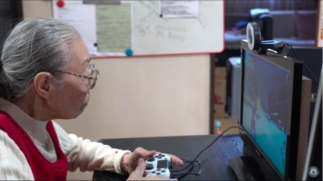 JAPONESA DE 90 AÑOS ES LA GAMER MÁS LONGEVA DEL MUNDO