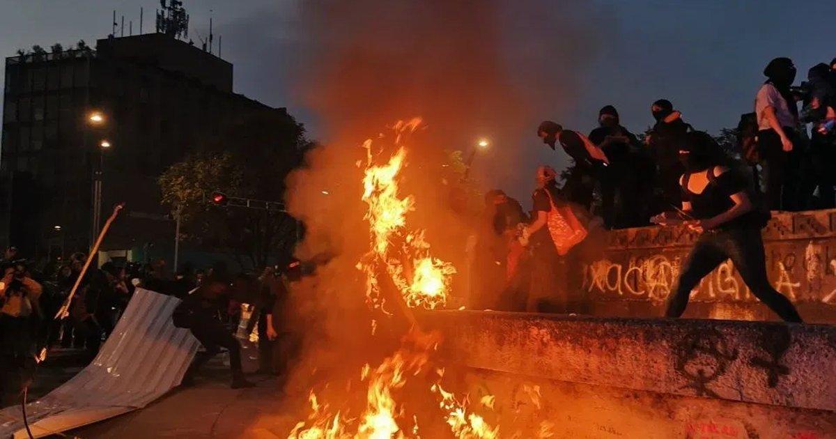 VIDEOS: SIGUEN LAS PROTESTAS VIOLENTAS EN EU