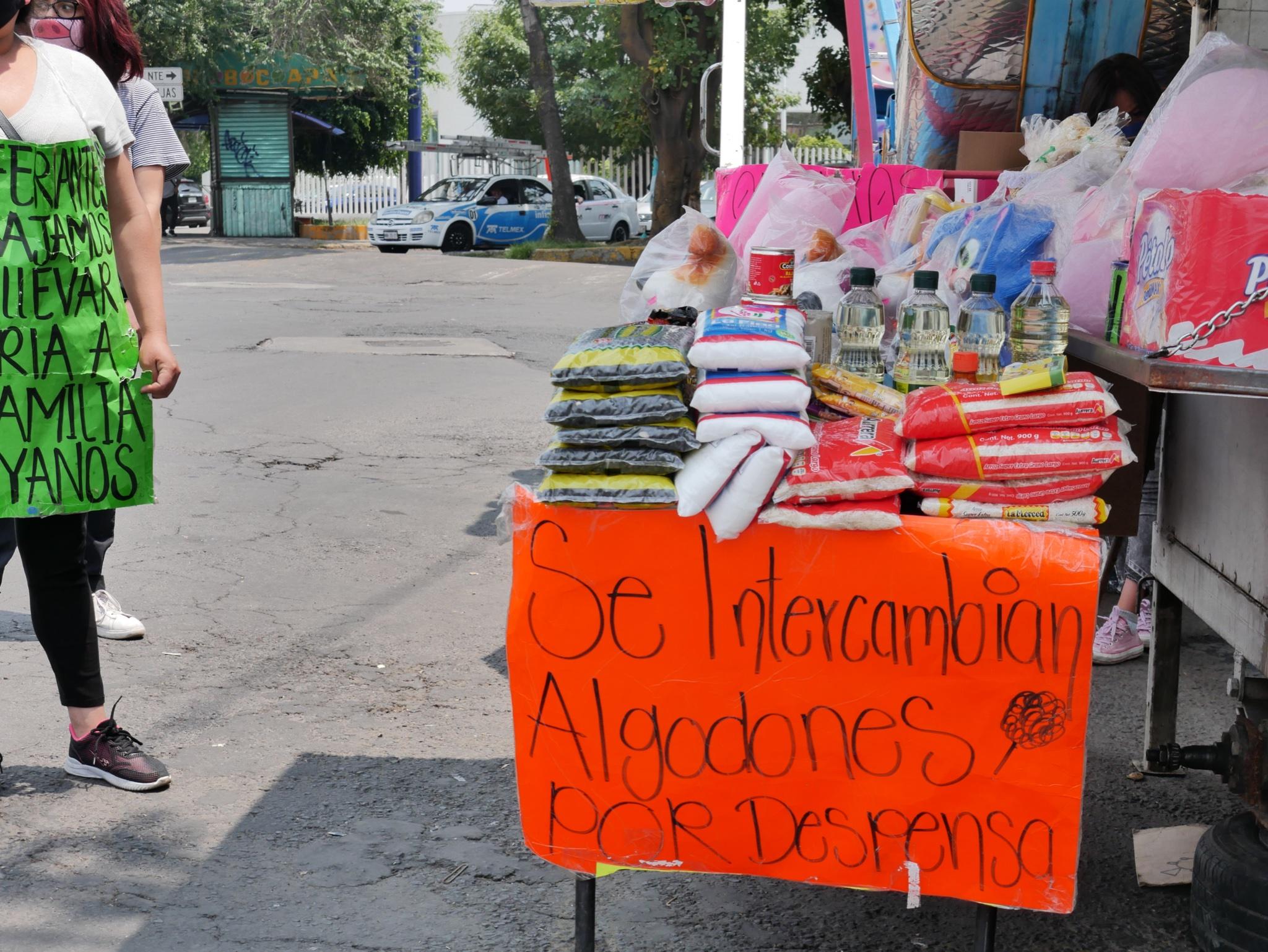 COMERCIANTES INTERCAMBIAN PRODUCTOS DE FERIA POR DESPENSA EN CDMX